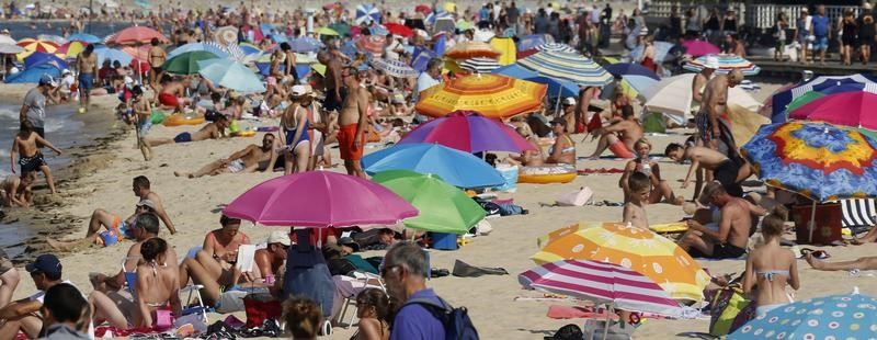 Decrease in the number of foreign tourists by 2016