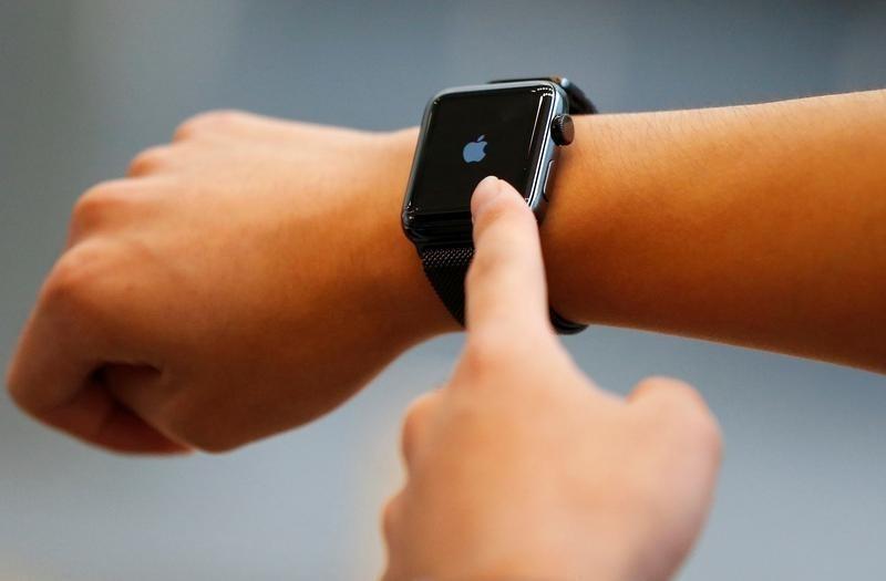 Ventes en retrait ou ventes record — Apple Watch