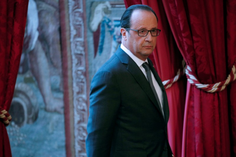 Primaire à gauche: Hollande serait battu, Valls s'imposerait