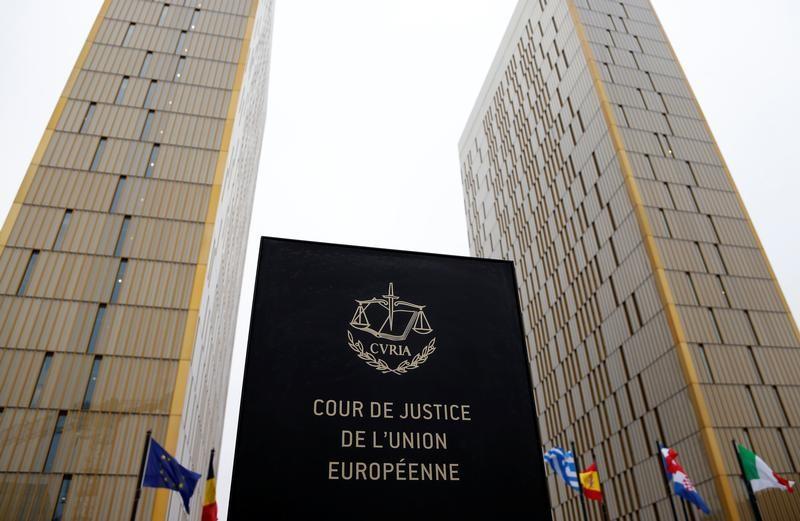 Les entreprises ont le droit d'interdire le voile selon l'UE — Religion