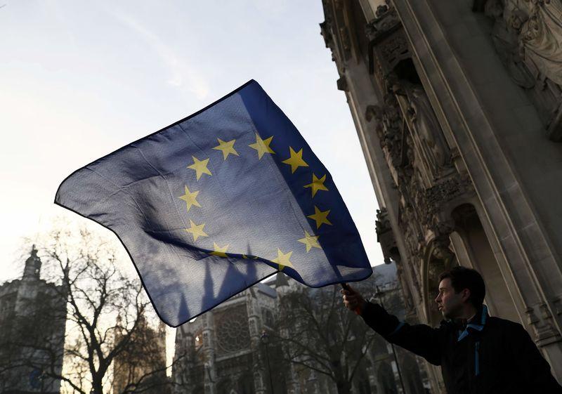Brexit : les députés britanniques devront être consultés