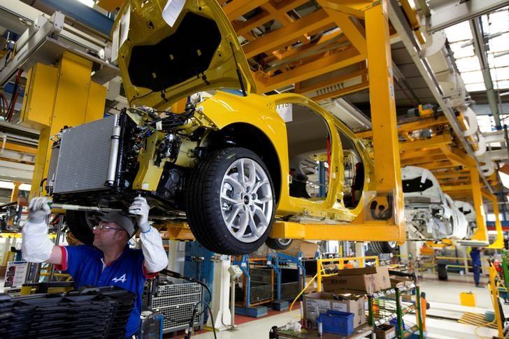 En France la croissance du secteur privé ralentit