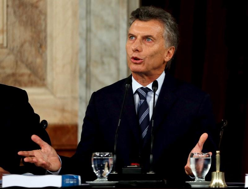 Les d put s argentins valident l 39 accord sur la dette for Dette exterieur