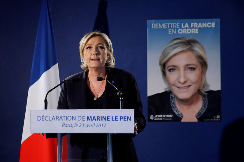 Le Pen cible le