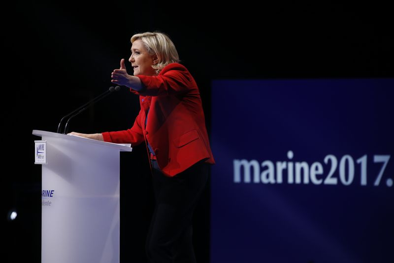 Attentat : Le Pen dit avoir