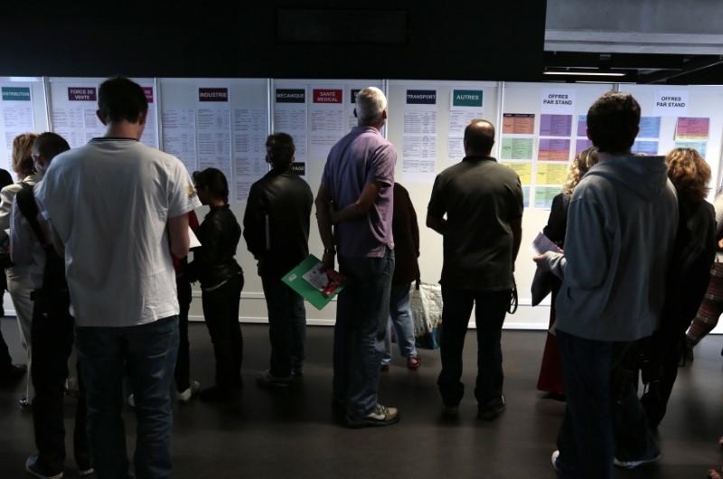 Le taux de chômage à un creux de sept ans en octobre