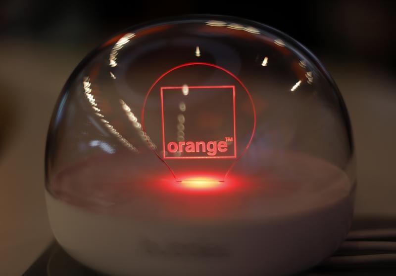 PARIS (Reuters) - Orange a annoncé jeudi être entré en négociations exclusives pour prendre le contrôle de la société Business & Decision, ...