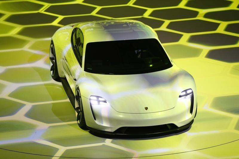 Porsche veut vendre voitures lectriques par an - Mon proprietaire veut vendre ...