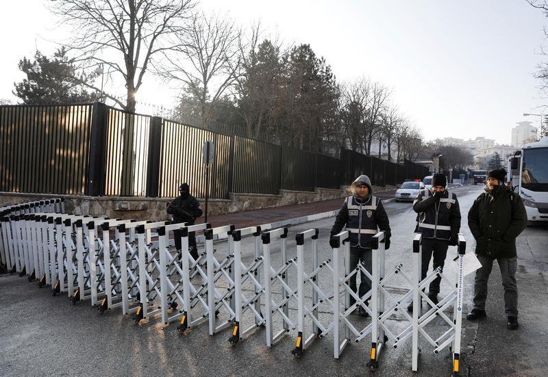 Ambassadeur russe : l'enterrement aura lieu jeudi en présence de