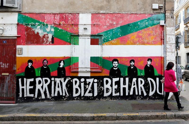 Un groupe revendique la destruction d 39 une maison au pays basque - Destruction d une maison ...