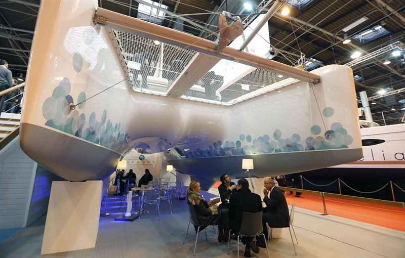 Beneteau le nouveau catamaran moteur lagoon 630 for Salon nautique de genes