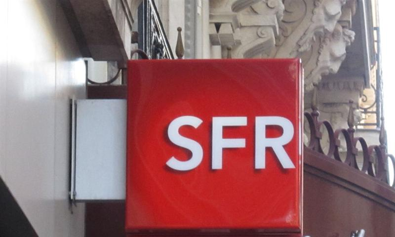 SFR annonce la suppression de 856 emplois nets