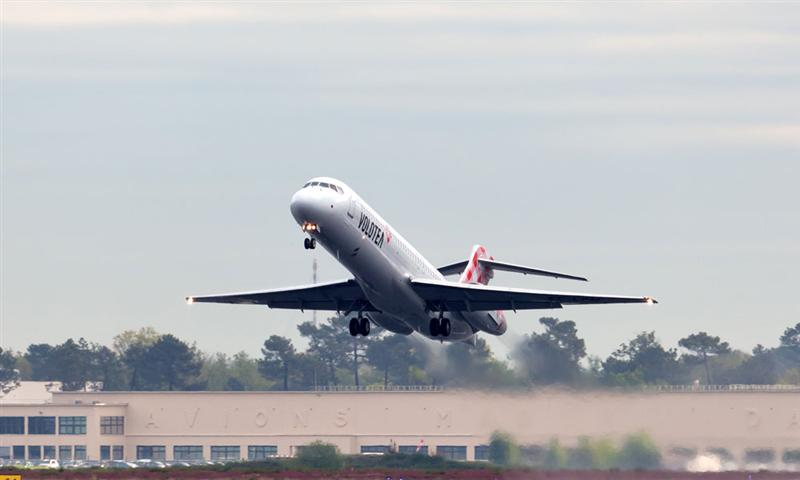 Volotea is recruiting stewards and hostesses to accompany its development