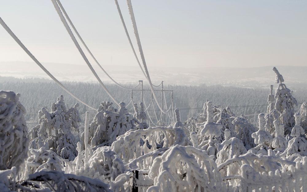 froid et neige sur les lignes électriques
