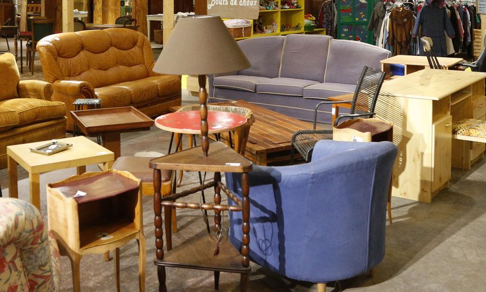 des magasins fly liquident leurs stocks pour sauver le groupe mobilier europ en. Black Bedroom Furniture Sets. Home Design Ideas