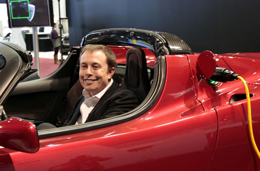 Tesla: les termes du rachat de SolarCity sont arrêtés